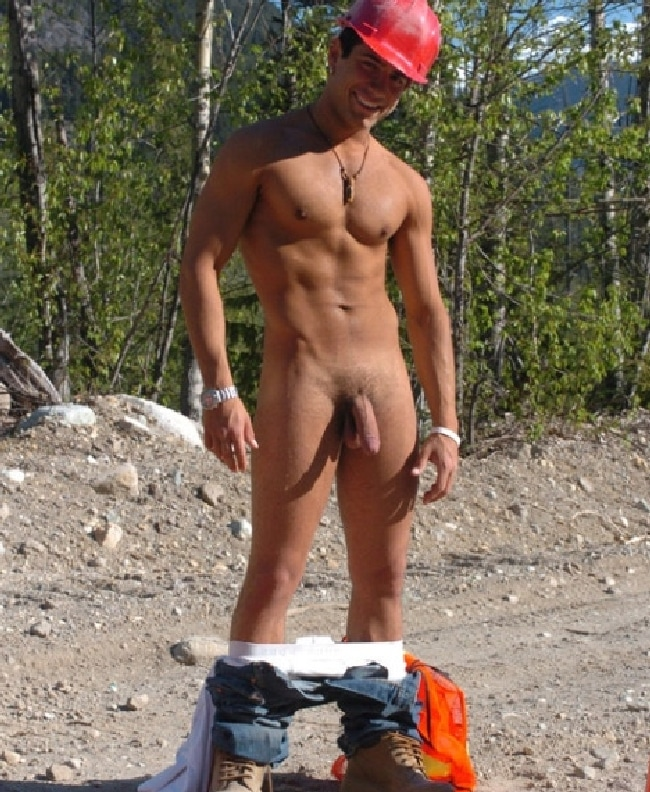 Nude Muscle Man Standing Outdoors - Nude Boy Blog