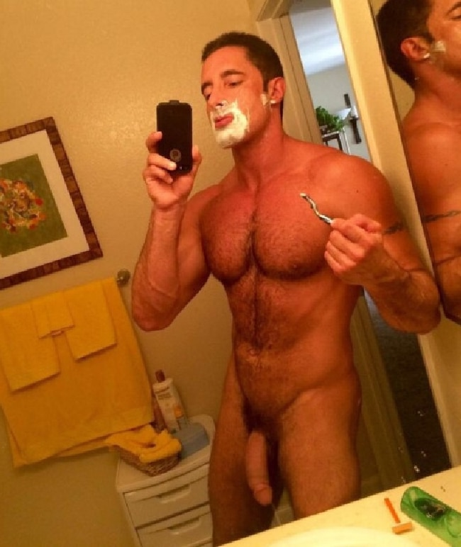 Nude Man Shave